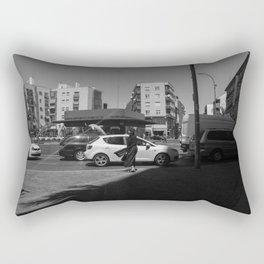 Mujer agitada por el viento Rectangular Pillow