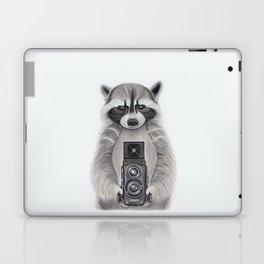 Raccoon Measuring Light / Mapache Midiendo la Luz Laptop & iPad Skin