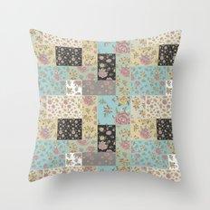 Mantón de Colores Throw Pillow