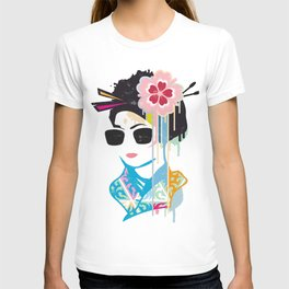 A geisha with sunglasses T-shirt