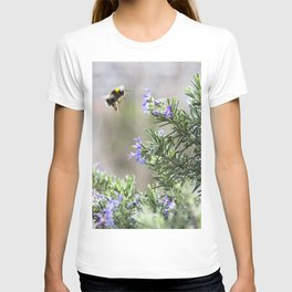 bumble bee flight T-shirt