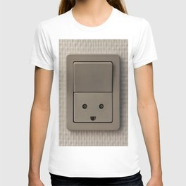 Smiling Power Outlet T-shirt