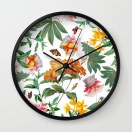 Summer is coming V Wall Clock