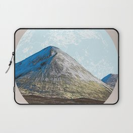When the whole world is in front of you Laptop Sleeve