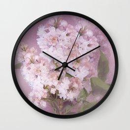 Der Flieder in meinem Garten Wall Clock