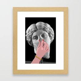 Oggi non è aria Framed Art Print