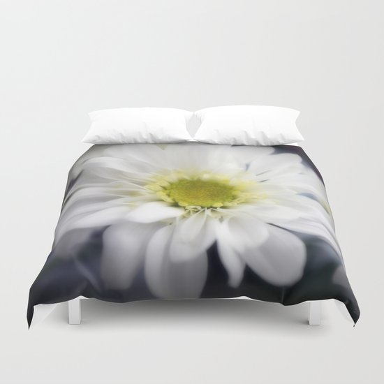 🔵Daisy with Yellow Centre Duvet Cover
