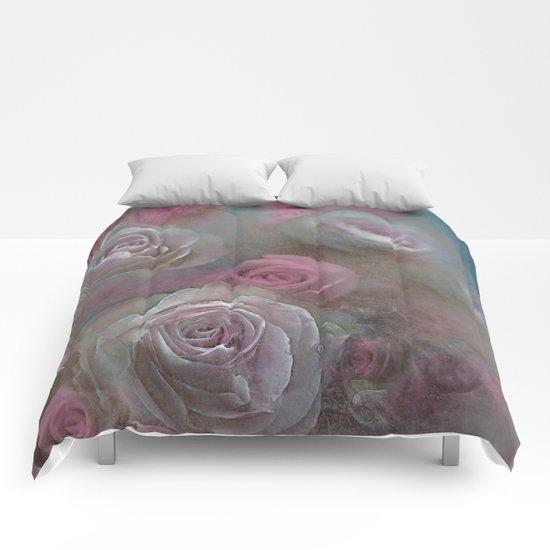 Vintage roses(5) Comforters