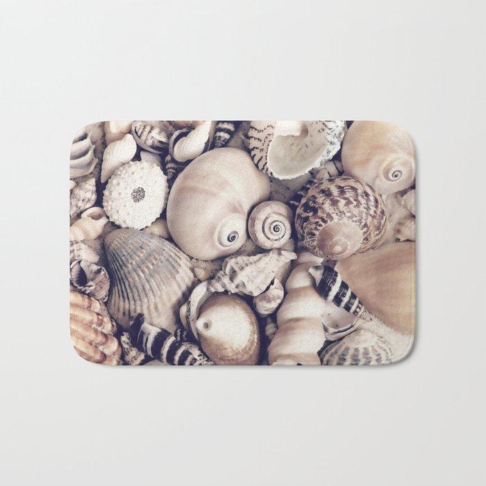 Vintage  Sea Shell Collection Coastal Style Bath Mat