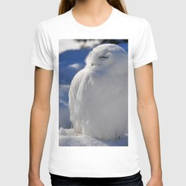 Snowy in the Snow by Teresa Thompson T-shirt