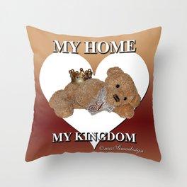 My home, My Kingdom - Creme Throw Pillow