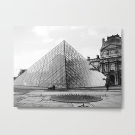 Pyramide de Louvre Metal Print