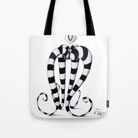 alien Tote Bags featuring Alien by artlandofme