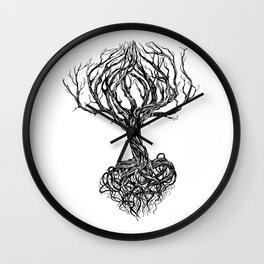 Old tree Wall Clock