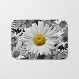 Cheerful Daisy Flower A197 Bath Mat