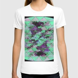 Oval with triangles T-shirt