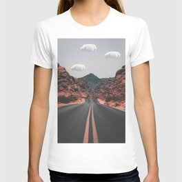 Couds on american road T-shirt