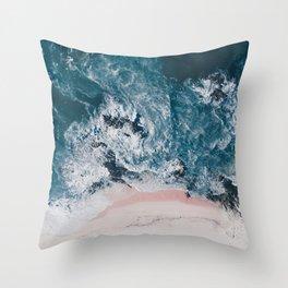 I love the sea - written on the beach Throw Pillow