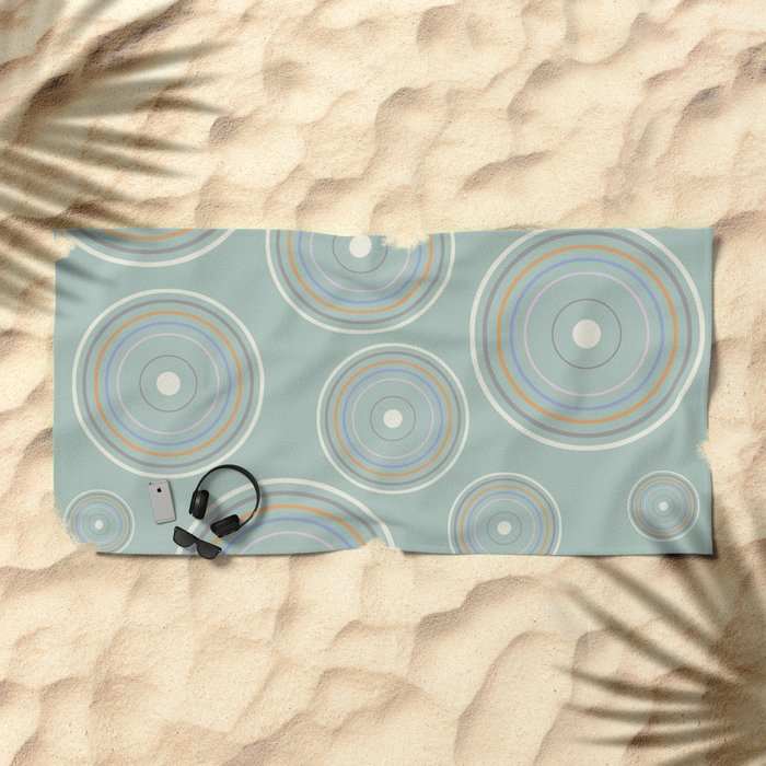 CONCENTRIC CIRCLES IN GREEN (abstract pattern) Beach Towel