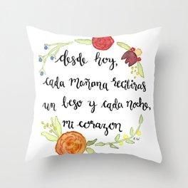 Un Beso y Mi Corazon Throw Pillow