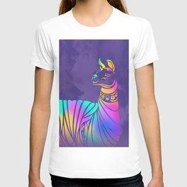 Llamita violeta by #Bizzartino T-shirt