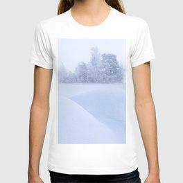 Foggy winter landscape T-shirt