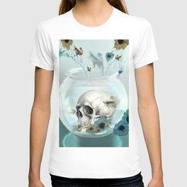 Looking glass skull T-shirt