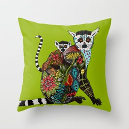 ring tailed lemur love lime Throw Pillow