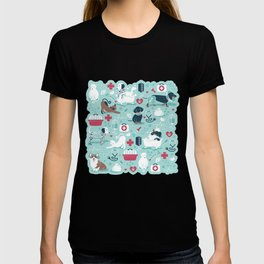 Veterinary medicine, happy and healthy friends // aqua background T-shirt