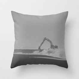 Waves ? What waves ? Throw Pillow