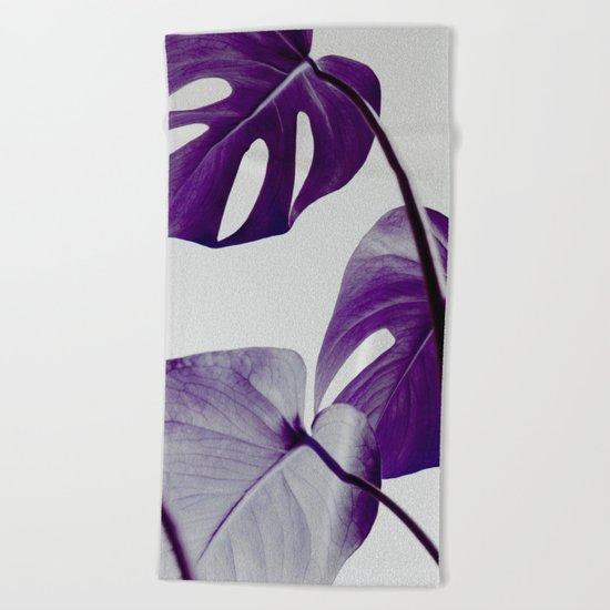 botanical vibes III Beach Towel