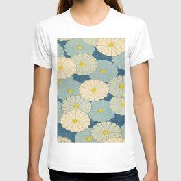 Shin-Bijutsukai – Japanese Design Blue Floral Pattern T-shirt