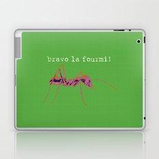 bravo la fourmi! Laptop & iPad Skin