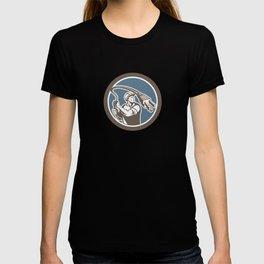 Electrician Holding Electric Plug Lasso Retro T-shirt