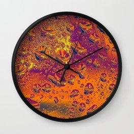 Circulating drops Wall Clock