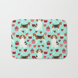 Beagle valentines day cupcakes heart love dog breed must have gifts Bath Mat
