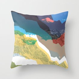Experiment am Berg 32 Throw Pillow