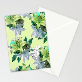 GREEN LILY WHITE ROSES FLORAL PATTERN Stationery Cards
