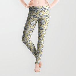 Geometrical pattern in yellow and  grey Leggings