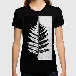 Natural Outlines - Fern Black & White Marble #853 T-shirt