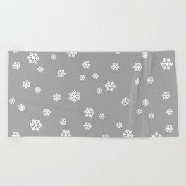 Snowing - grey - more colors Beach Towel