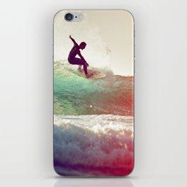 Danse avec les vagues iPhone Skin