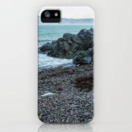 La vie sur le fleuve iPhone Case
