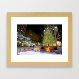 New York - Rockerfella Christmas Tree Framed Art Print