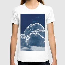Puffy Cumulus clouds on Deep Blue Sky T-shirt