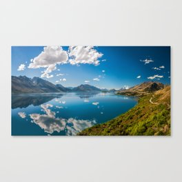 Breathtaking View from a famous scenic Lookout at Lake Wakatipu Canvas Print