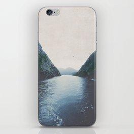 silence II iPhone Skin