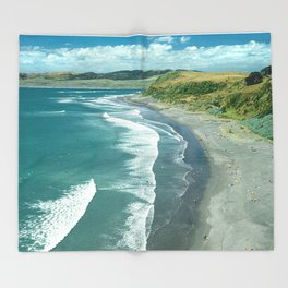 Raglan beach, New Zealand Throw Blanket