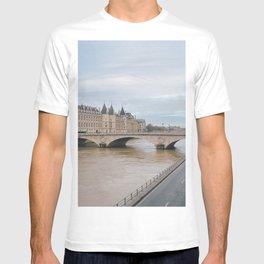 Views in Paris   Europe Travel Photography T-shirt