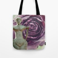 queens of the stone age Tote Bags featuring Queens by freedom-of-art